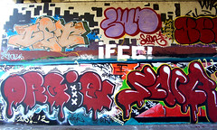 graffiti in Amsterdam (wojofoto) Tags: amsterdam nederland netherland holland graffiti streetart wojofoto wolfgangjosten amsterdamsebrug flevopark hof halloffame orgie get getone