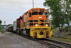 Tunnel Vision (BravoDelta1999) Tags: chicagofortwayneandeastern cfe railroad conrail cr pennsylvaniarailroad prr railway fortwayneline indiana emd sd40t2 3316 sd402 chfw 01 manifest train valparaiso