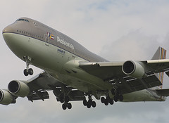HL7417, London Heathrow, June 7th 2003 (Southsea_Matt) Tags: hl7417 asianaairlines boeing 74748e egll lhr londonheathrow greaterlondon england unitedkingdom june 2003 summer canon d30 airplane aviation airport jet aeroplane