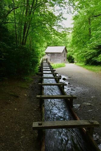The old mill run, Mingus Mill