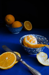 When two colors are complemented (nuriapase) Tags: aliments bodegons food orange blue stilllife complemented art creative colors two fruit bodegó azul blau taronja composition