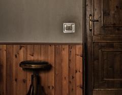 DSC_2280 (leonardo.ciamberlini) Tags: stanza ricordi sedia porta grana vintage nostalgia noise door chair memories room nikon nikond3200 kitlens 1855