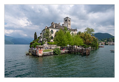 Lac d'Orta - Isola San Giulio (philturp) Tags: édificereligieux italie italy paysage église lacdorta landscape church religiousbuilding isolasangiulio piemonte it
