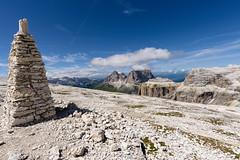 120_Flickr Landschaft.jpg (stefan.mohme) Tags: gebirge italien2017 organisch suedtirol himmel berge licht bayern alpen felsbrocken jahreszeiten hochgebirge steindiverse felsen iitalien dolomiten wolken sommer stein quickbornheide schleswigholstein deutschland