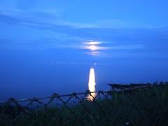 Setting Moon (bimbler2009) Tags: olympustg4 slowshutterspeed lowlight timelapse landscape moon lunar cloud sky
