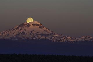 Morning Full Moonset