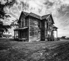 In all of it's abandoned glory...(five bales of hay house) (Aces & Eights Photography) Tags: abandoned abandonment decay ruraldecay oldhouse abandonedhouse