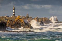 Une matinée agitée sous le Créac'h. (cedric.cain29) Tags: cedriccaïn ouessant îledouessant iroise bretagne finistère phare lighthouse phareducréach creach tempete storm lumièresdouessant rochers paysages bzh