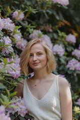 sigrid (Linda Andersen Ness) Tags: girl portrait garden botanical oslo norway norge botanisk hage flower flowers tree trees bush bushes