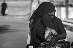 In the beach of Aqaba, Jordan. (Raúl Barrero fotografía) Tags: portrait culture religion woman aqaba jordan