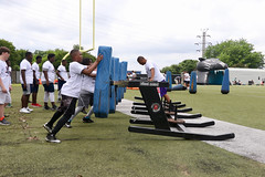"2018-tdddf-football-camp (202) • <a style=""font-size:0.8em;"" href=""http://www.flickr.com/photos/158886553@N02/41521224645/"" target=""_blank"">View on Flickr</a>"