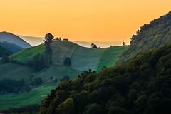 Fricktal/Kanton Aargau (UmbiFotos) Tags: wolken dunst sonnenaufgang sonnenuntergang sonne tal laub
