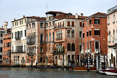 Venice 威尼斯 (MelindaChan ^..^) Tags: italy 意大利 venice 威尼斯 gondola boat water canal canalgrande transport trrafic chanmelmel mel melinda melindachan heritage history life ride tourist house