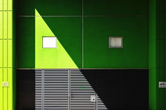 Green diagonal (Maerten Prins) Tags: netherlands nederland utrecht uithof campus universiteit university student residence modern building casaconfetti angle angles windows glass green verygreen symmetry geometry lines diagonal