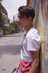 En la pared (Evelio AD) Tags: principiante nikon joven retrato gente rostros cdmx mex mexa hombre man portrait calle urbano urban city