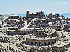 Torremolinos 13 construcción de arena (ferlomu) Tags: arena ferlomu málaga playa torremolinos