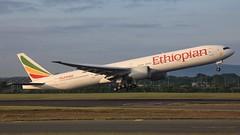 ET-ASK (Dub ramp) Tags: ethiopian boeing777 b777 b77w b777300 b773 eidw dub dublinairport etask