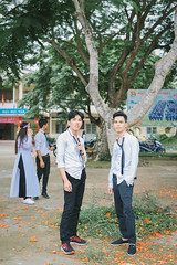 IMG_2909 (2L photography) Tags: 2l 2lfilms 2lfilm canon6d canon cinematicphoto kyyeu kỷyếu trường travinh travel streetlife shool hocsinh vietnam vietnamtravel vietnamgirls vietnamshool việt vintage vsco áobaba aobaba asiangirl asian aodai