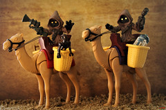 the Bedouins of Tatooine (notatoy) Tags: toys figures lego playmobil jawa star wars tatooine dsert r2d2