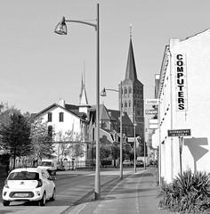 DSC_5747-2 Der Stadtteil Tegelen von Venlo - Blick zur dortigen Martinskirche. (stadt + land) Tags: ort stadtteil tegelen martinskirche bilder eindrücke venlo stadt maas niederlande grenzstadt gemeinde niederländisch privinz limburg grenze deutschland einkauf cannabis cofeeshop handelsort mittelalter hansestadt hanse mitglied neuehanse