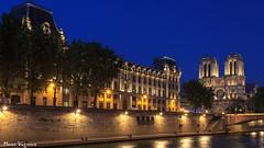 Paris by night (MarcEnGalerie) Tags: nocturne longexposure balade poselongue nightly nocturnal notredamedeparis seine paris iledefrance france fra
