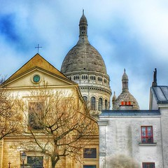 Basilique Sacré-Coeur - Paris - France - HIstoric Church - Roman Catholic (Onasill ~ Bill Badzo) Tags: basilique sacrécoeur paris france historic church basilica sacred heart mount martyrs montmartre roman catholic rc religion style architecture byzantino byzantine romanesque landmark tourist travel tours walking statute hill onasill nrhp historical sky clouds people building park