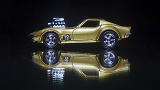 Hot Wheels '68 Gas Monkey Garage Corvette