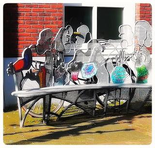People.. #bench #bankje #people #art #artwork #loveart #kunst #streetart #streetphotography #straatfotografie #streetshot #lovephotography #photography #photographer #fotograaf #fotografie #outside #travel