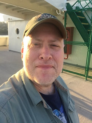 Day 2330: Day 140: Setting sun (knoopie) Tags: 2018 may iphone picturemail doug knoop knoopie me selfportrait 365days 365daysyear7 year7 365more day2330 day140 ferry