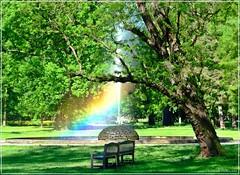 Impression im Prager Stromovka-Park (Christoph Bieberstein) Tags: tchechien tschechiche republik böhmen mittelböhmen czech republic bohemia česko ceská republika středočeský kraj praha stromovka královská obora bank regenbogen duha rainbow fontäne parkbank brunnen
