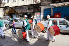 La banda de música. (pablocba) Tags: people streetphotography street gente tripoli libano lebanon band music tradition travel sony ilce6000 a6000 alpha