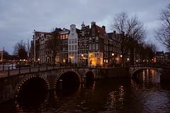 °Amsterdam° (virginiasánchez) Tags: amsterdam canals canales europe netherlands paisesbajos holanda holland night lights street calles callejeando beautiful