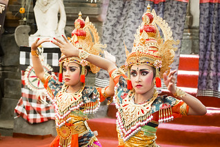 Elegance dancers of the children Balinese......Look at my album on Bali