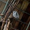 Der Künstler macht eine Pause (dl1ydn) Tags: dach dl1ydn mütze kopfbedeckung architektur dachkonstruktion armenia