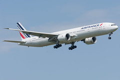 Air France / B773 / F-GZNA / LFPG 08R (_Wouter Cooremans) Tags: spotting spotter avgeek aviation airplanespotting cdg lfpg charlesdegaulle charlesdegaulleairport air france b773 fgzna 08r airfrance
