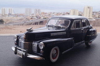 1941 Cadillac Fleetwood series 60 special 1/24 diecast made by Danbury Mint