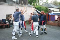 Cornwood Inn (Dartmoor Border Morris`s) Tags: dartmoorbordermorris dartmoor dartmoorbrewery harbertonnavymorris green willow clog morrisdancing morris pub fun squire flags fiddle folk music