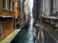 Calle delle Scale (brimidooley) Tags: sanmarco gondola canal water venice venezia veneto venedig venise italia italy italien europe europa city citybreak travel tourism laserenissima bucketlist sightseeing