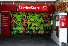 HH-Graffiti 3685 (cmdpirx) Tags: hamburg germany graffiti spray can street art hiphop reclaim your city aerosol paint colour mural piece throwup bombing painting fatcap style character chari farbe spraydose crew kru artist outline wallporn train benching panel wholecar