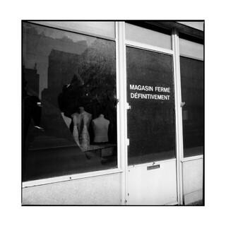 closed • dijon, burgundy • 2015