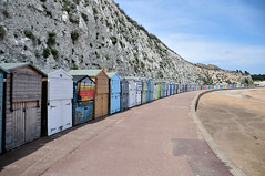 DSC_4838 (Thomas Cogley) Tags: broadstairs seaside sea front seafront beach cliff chalk beachhut hut