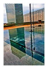 L'immeuble d'en face (Marie Hacene) Tags: ladéfense reflets immeubles architecture urbain u aimes bien le graphisme de traviole