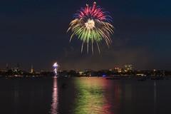Feuerwerk zum Japanischen Kirschblütenfest (hph46) Tags: ausenalster feuerwerk hamburg kirschblütenfest deutschland germany fireworks sony alpha6500 canonef2470mm14lisusm
