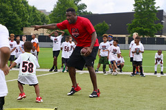 "2018-tdddf-football-camp (111) • <a style=""font-size:0.8em;"" href=""http://www.flickr.com/photos/158886553@N02/40615584370/"" target=""_blank"">View on Flickr</a>"