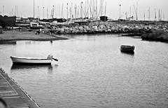 Nostalgia (Meteoraaaa) Tags: salerno mare acqua porto lungomare barche barca monocromo baia cielo