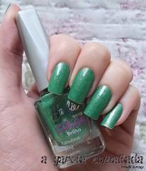 Esmalte Fabulous, da Barbie (Biotropic). (A Garota Esmaltada) Tags: agarotaesmaltada unhas esmaltes nails nailpolish manicure barbie fabulous biotropic barbiefashionteenscolor verde green