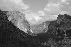 El Capitan (June in Summer) Tags: yosemite el capitan mountain nationalpark np sony rx10 atmosphere overcast cloudy granite valley
