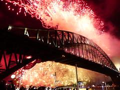 20180101_000414-P1280516 (dudegeoff) Tags: 20171231sydnewyearseve 2017 december newyearseve sydney night nsw fireworks