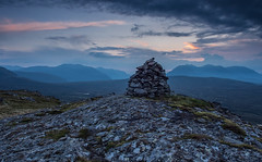 Meall An T-Sithe Sunset. (Gordie Broon.) Tags: meallantsithe westerross geotagged olympusem5 124028lens gordiebroonphotography fain braemorejunction ecosse scozia schottland escocia scenic caledonia scottishhighlands hills colinas paisaje hugeln layers cairn anteallach fisherfieldforest dundonnell ullapool scenery beinnachlaidheimh beinndeargmor beinndeargbheag sunset mountains corbetts munros scotland northwesthighlands