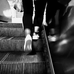 L'arrivée au sommet... (woltarise) Tags: escalator terminus reflets passante arrivée outremont métro station montréal iphone6s streetwise